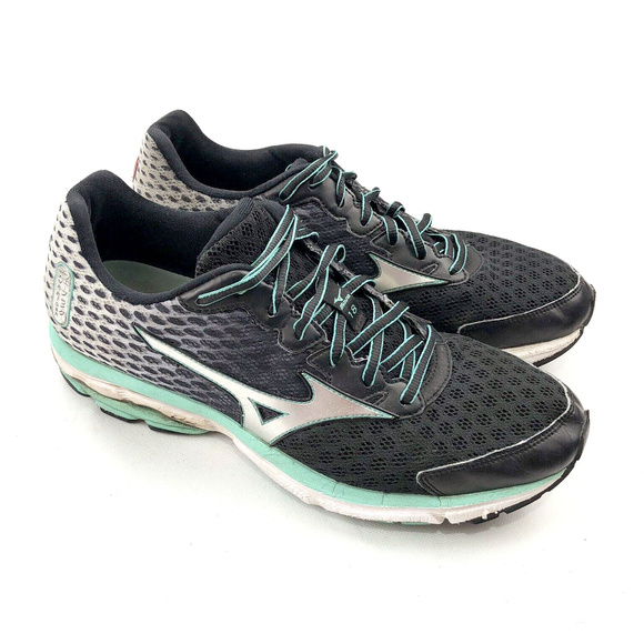 the latest 8a8ea 7b31f Mizuno Wave Rider 18 Men's Athletic Running Shoes